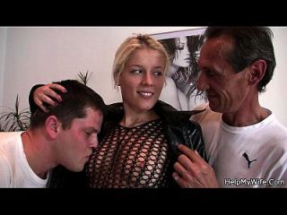 blonde in fishnets cuckolds alter Ehemann