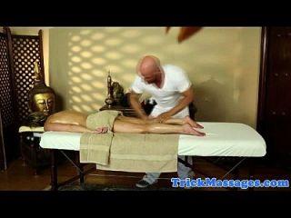 Amateur Blondine Massage Spaß auf Spion Cam