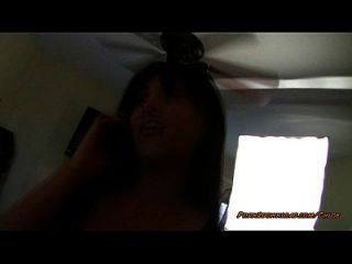 Pov Lap Dance, während sie am Telefon ist