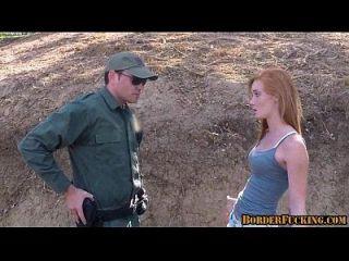 Hot Redhead Teen gefickt von Grenzpatrouille 1 1
