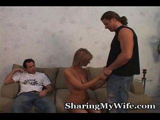 wilde Dreier mit Frau, Mann und neuer Kerl