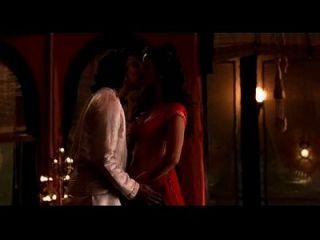 eine schöne Sex-Szene von Kama Sutra rufen now08082743374 mr suraj shah