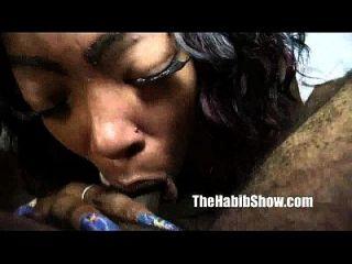 Pussy pierced tätowierte schwarze Stripper St louis Freak gefickt