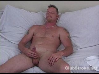 naughty straight guy hef masturbieren