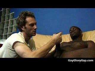 Gloryholes und Handjobs Gay Nass Blowjobs durch ein Loch 30