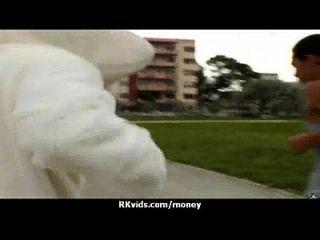 sexy wilde Küken wird bezahlt zu ficken 11