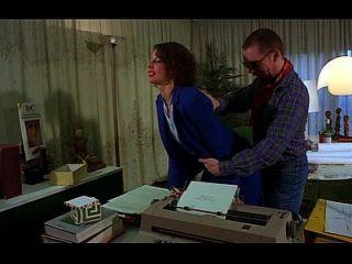 eine Sekretärin holt ihren Mund voller Hahn und Arsch gefickt anal blowjob