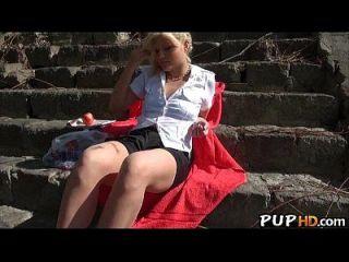 blonde haare jugendlich fickt in der öffentlichkeit für geld kitty reich 1