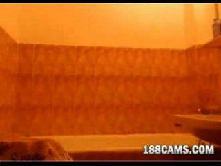 Redhead ein Bad nehmen 188cams.com