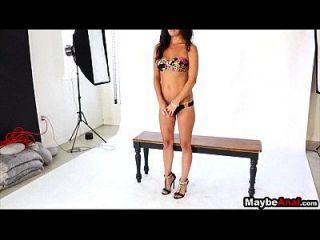 Glamour Model Brünette wird in den Arsch gefickt Dixie Bäche 2 1