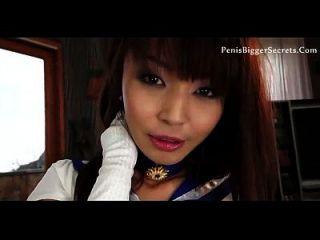 asiatischer Pornostar mag es in ihrem Arsch