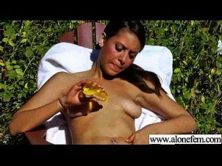 sexy Mädchen masturbieren mit Sachen Video 16