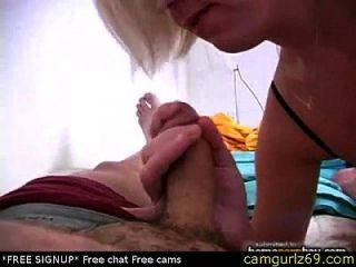 Blowjob von niedlichen Amateur Blondine in heißen Amateur Porno 1 Live Sex Paar Webcam Chat