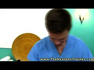 Amateur Twink immer eine Dick Massage