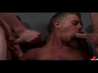 Junge Jungs werden in Lasten der heißen cum bukkake Jungen bedeckt 28