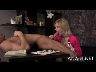erotisches Anal-Pounding für niedliches Hottie