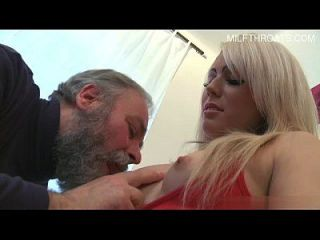 junges Modell creampie cleanup