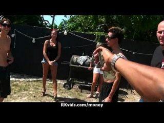 verzweifelt jugendlich nackt in der Öffentlichkeit und fickt zu zahlen Miete 7