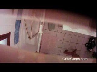 versteckte cam milf streifen im badezimmer