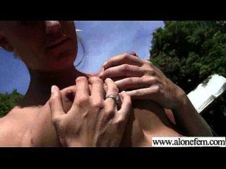 sexy Mädchen masturbieren mit Sachen Video 04