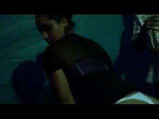 015 mulata da bunda perfeita de fio dental em baile funk