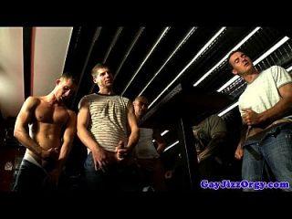 groupsex Homosexuell Hunks blasen ihre Lasten