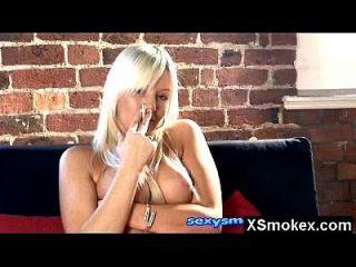 big booby fetisch rauchen reifen nackt