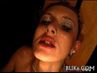 Oralsex mit Pissen Dusche
