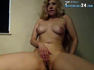 anspruchsvolle Alina in Sex Live-Kamera einfach auf Paar mit s