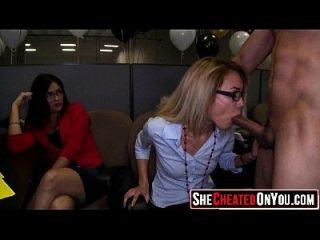 31 ehrfürchtig! Strippers bekommen gesaugt und gefickt in cfnm Orgie 27