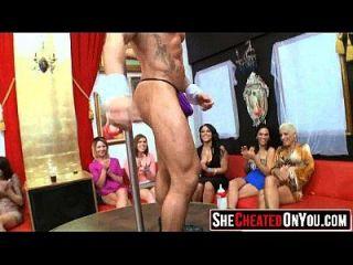 24 betrügen milfs ficken bei stripper party 02