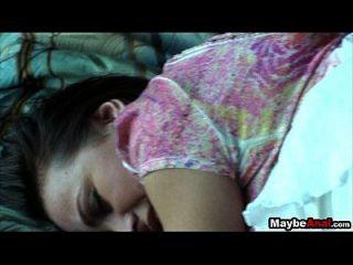 Teenie versucht Analsex auf Heimvideo alisa ford 2 4