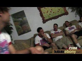 interracial gangbang mit weißen Schwänzen 7