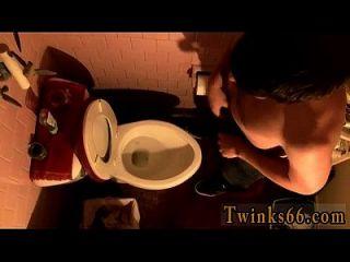 Hot Twink Szene Tage von geraden Jungs Pissen