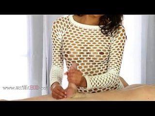 1 unglaubliches, brustiges Babe in sexy Dessous genieße großen Schwanz Melken Melken unter dem Tisch 2014 1