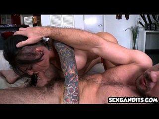 perfekte Hündin Christy Mack bekommt ihren Arsch gebohrt hart! 10