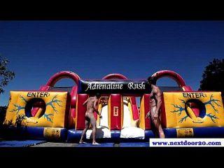 vier geile Amateur muskulierte Jocks saugen