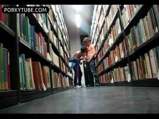 öffentliche bibliothek wichsenjungen wichsen