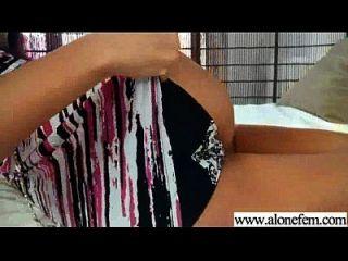 Solo geile Amateur Mädchen bekommen Dildo Spielzeug in Löcher Video 11