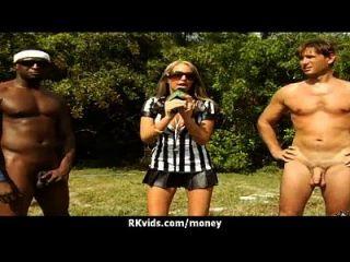 verzweifelt jugendlich nackt in der Öffentlichkeit und fickt zu zahlen Miete 23
