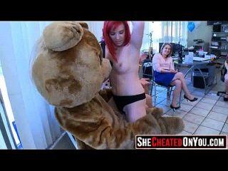 06 heiße Pumas saugen junge Stripper Hahn! 03