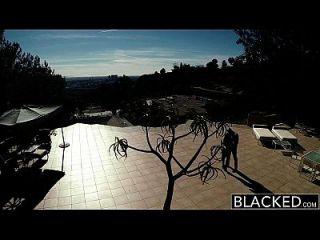 Schwarze große natürliche Titten australische Babe angela weiß fucks bbc