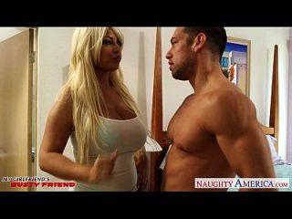 busty blonde gf bridgette b bekommt Titten gefickt