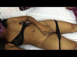 Mona Bhabhi entfernen Dessous für Sex indian Tante heiß