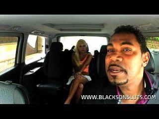 schwarze Taxifahrer fickt deutsche Schlampe