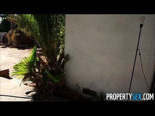 Eigentum Sex verzweifelt Immobilienmakler fickt auf Kamera zu verkaufen Haus