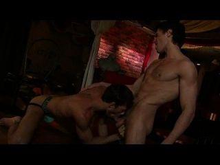 heiße Turnhalle Homosexuell hai anh trong bar làm tình cực nứng ...