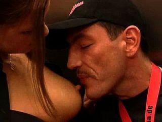 deutsche Blondine sehr heiß fucking im Aufzug