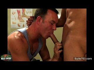sexy Gay Jocks fucking im Büro
