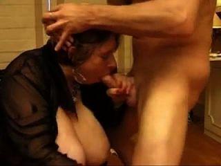 Orgie mit reifen Mütter
